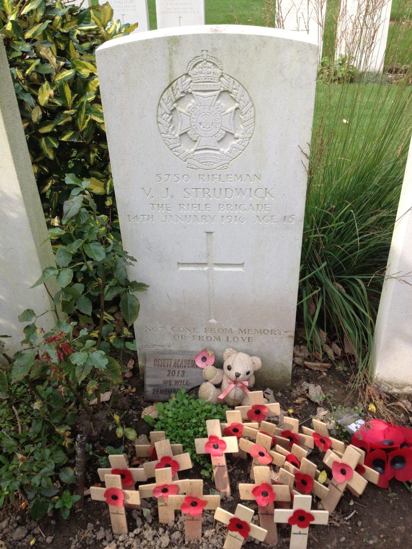 VJ Strudwick grave